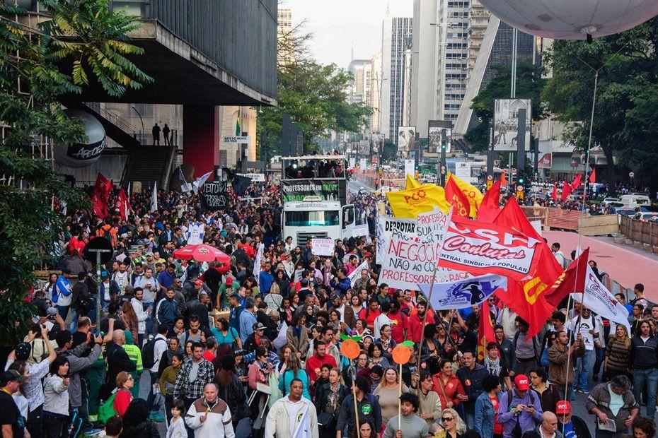 Professores caminharam para Tribunal de Justiça do Estado de São Paulo / Peter Leone/futura Press/Futura Press/Folhapress/Arquivo