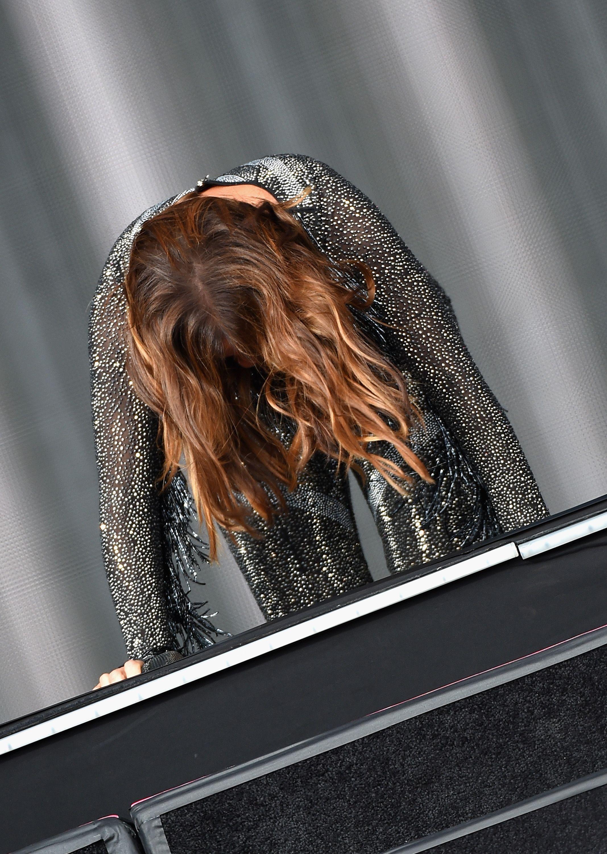 Ivete Sangalo levou um tombo durante sua apresentação no Rock in Rio USA