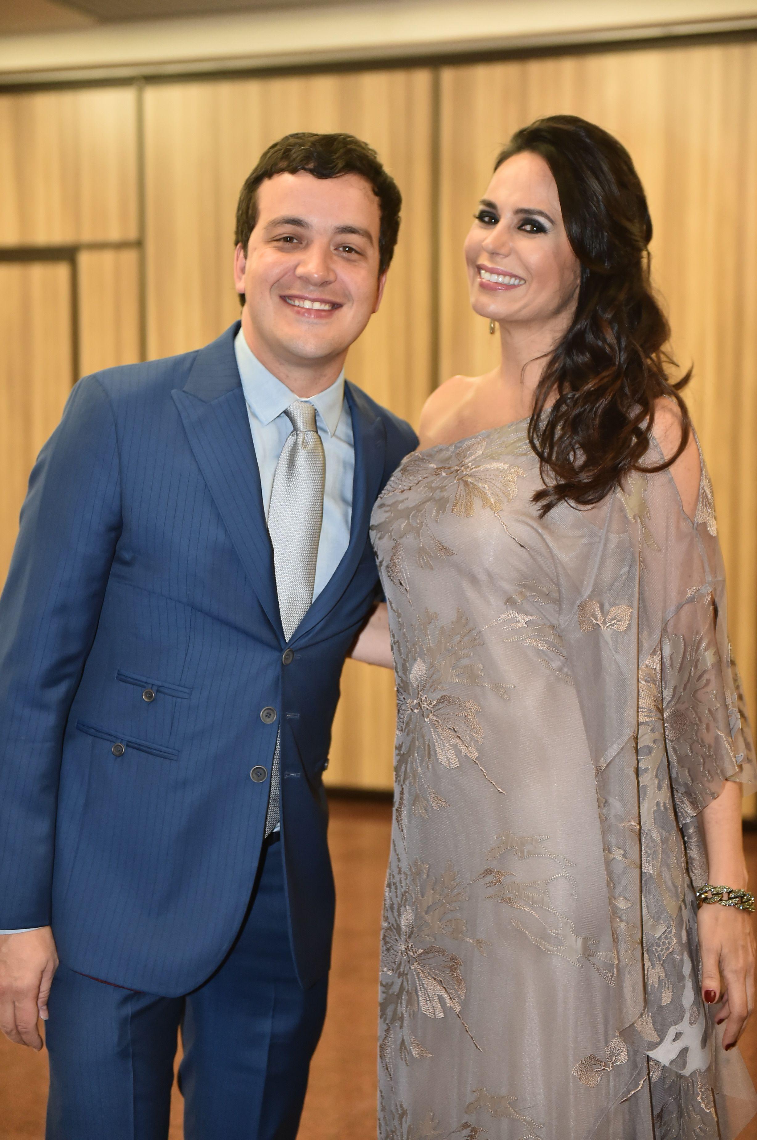 Rafael Cortez ao lado de Cozete Gomes