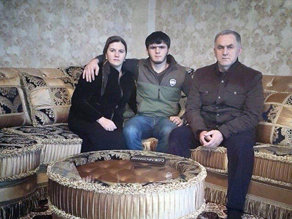 Militar já tem uma esposa e um filho