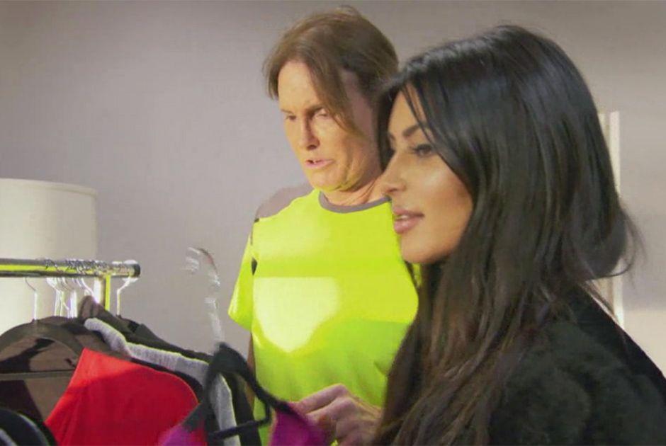Kim Kardashian estava ajudando o padrasto a definir seu novo estilo / Divulgação/E!