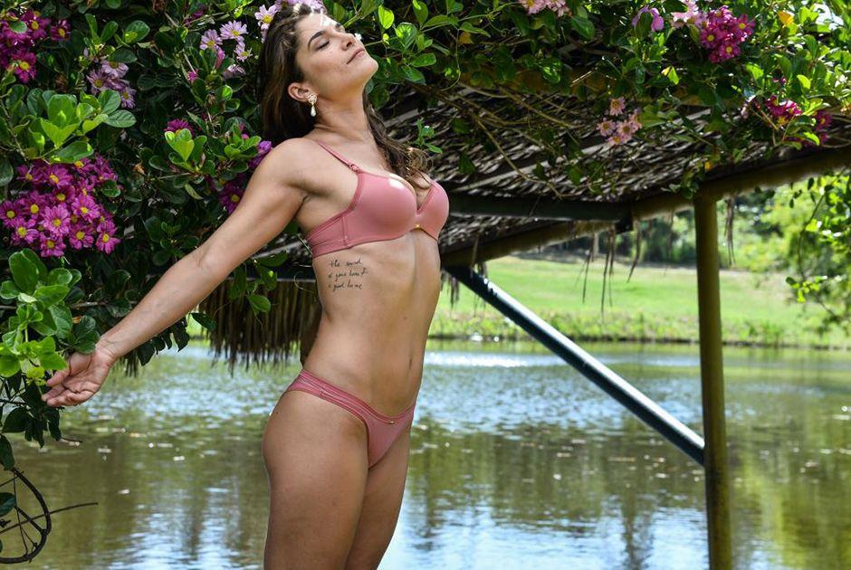 Priscila Fantin posa de lingerie / Joshua Bryan/AgNews