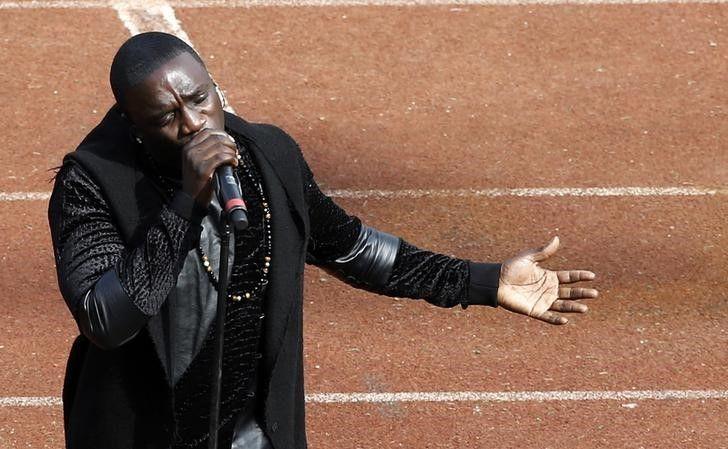 Akon está ajudando africanos sem luz / Amr Abdallah Dalsh/Reuters