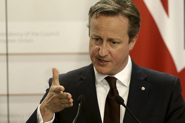 Cameron quer limitar o acesso de indivíduos vindos de outros países europeus / Ints Kalnins / Reuters