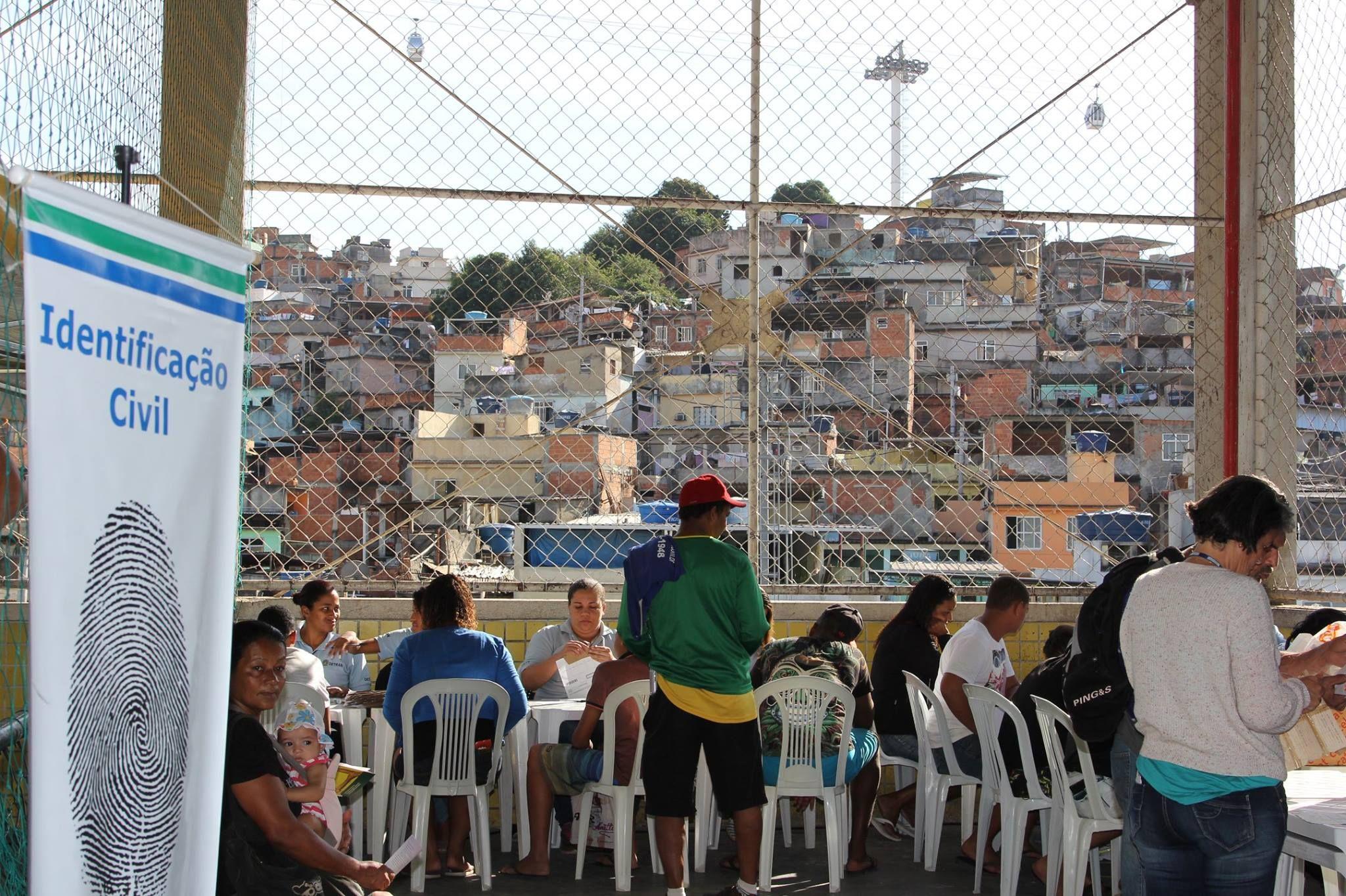 Moradores tiveram a oportunidade de obter certidões / Defensoria Pública do Estado do Rio de Janeiro/Facebook/Reprodução