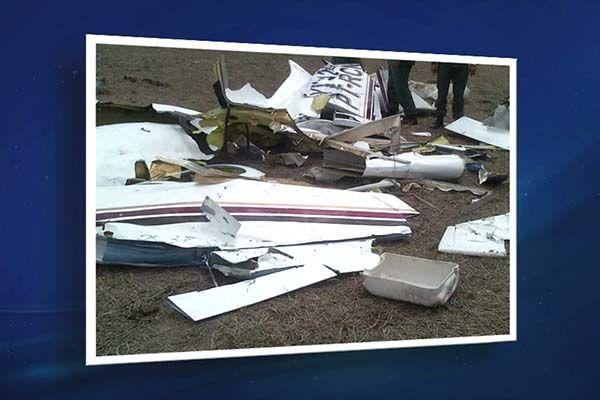 Bimotor abatido pela força aérea venezuelana ficou destruído / Reprodução Jornal da Band