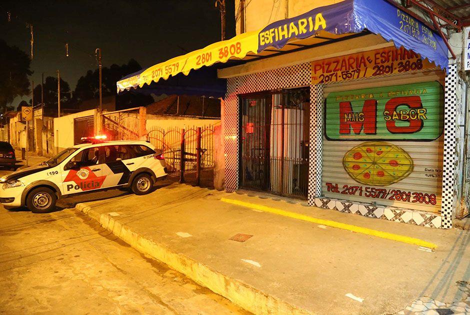Vítima foi socorrida, mas não resistiu aos ferimentos e morreu / Edison Temoteo/Futura Press/Folhapress