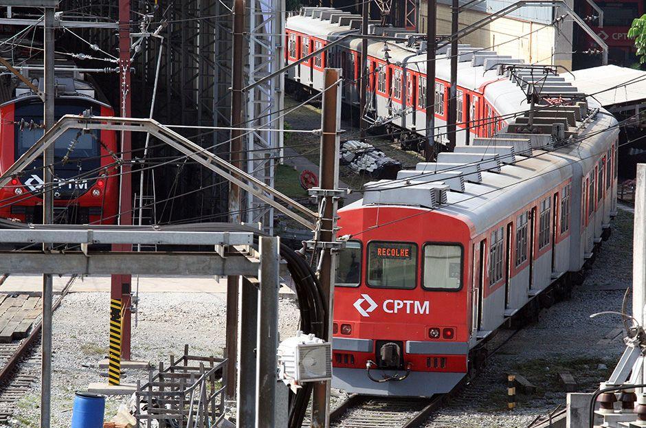 Trens parados na estação Brás / Luiz Carlos Murauskas/Folhapress