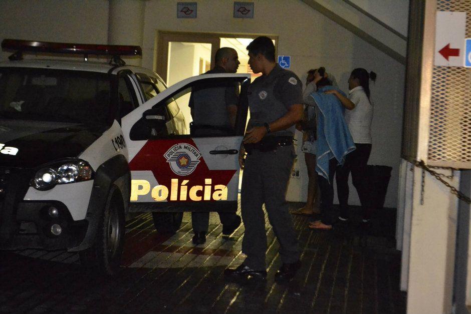 Jovem foi resgatada após ser jogada em represa / Edu Silva/Futura Press/Folhapress