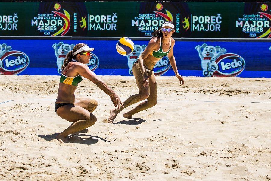 Larissa e Talita não deram chance para dupla canadense / Divulgação/FIVB