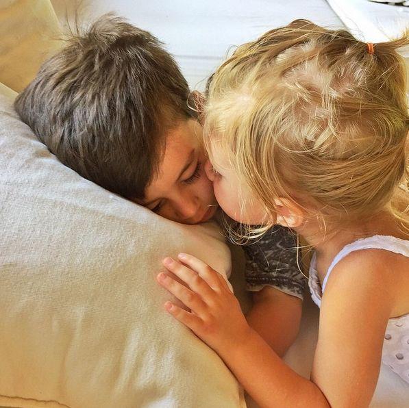 Gisele posta foto de momento carinhoso dos filhos / Divulgação/Instagram