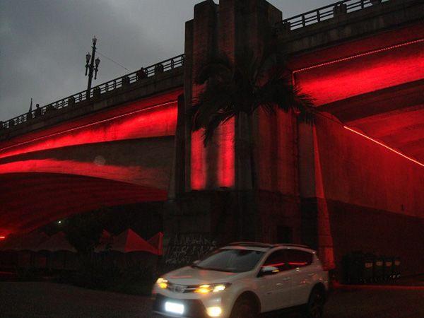 Viaduto do Chá é um dos monumentos iluminados na capital paulista / Assessoria de Imprensa da SES