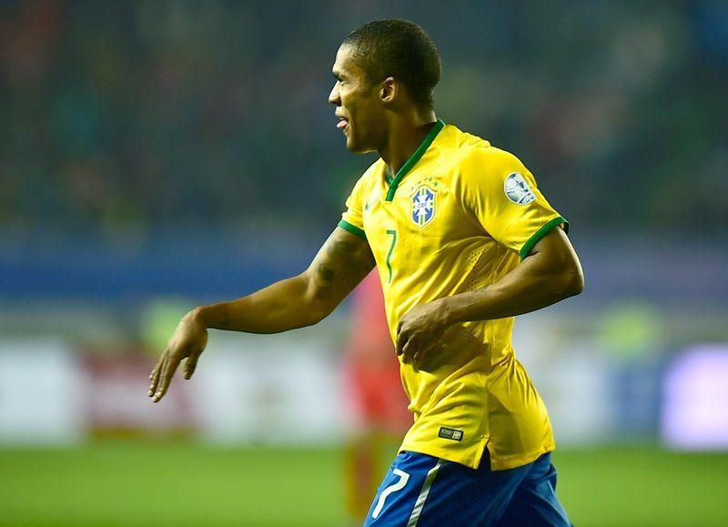 1baf7138c07f6 Douglas Costa comemora gol e vitória - Band.com.br