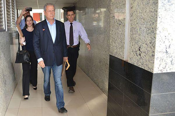 José Dirceu entra com habeas corpus preventivo para não ser preso mais uma vez / Fabio Rodrigues Pozzebom / Agência Brasil