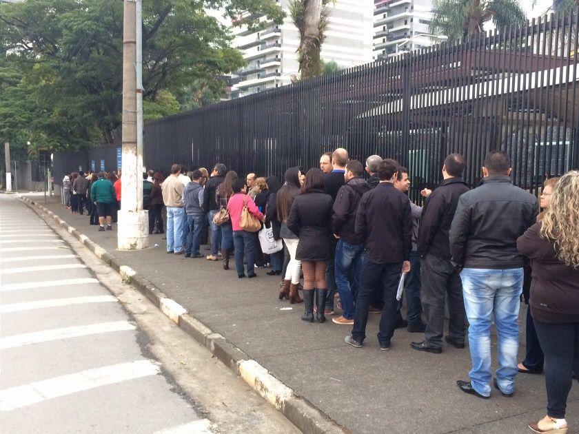 Embaixada cancela entrevistas de concessão de visto marcadas para semana que vem / Caetano Cury/Rádio Bandeirantes