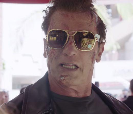 Arnold Schwarzenegger assusta fãs em museu / Reprodução/Youtube