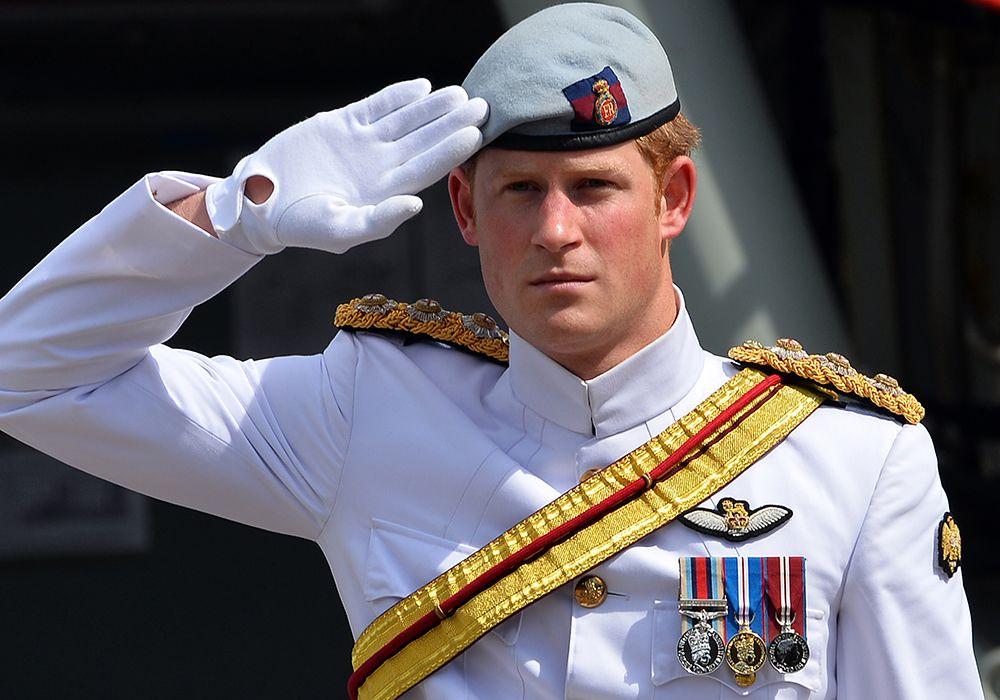 Harry encerra carreira militar / Seed Khan/AFP