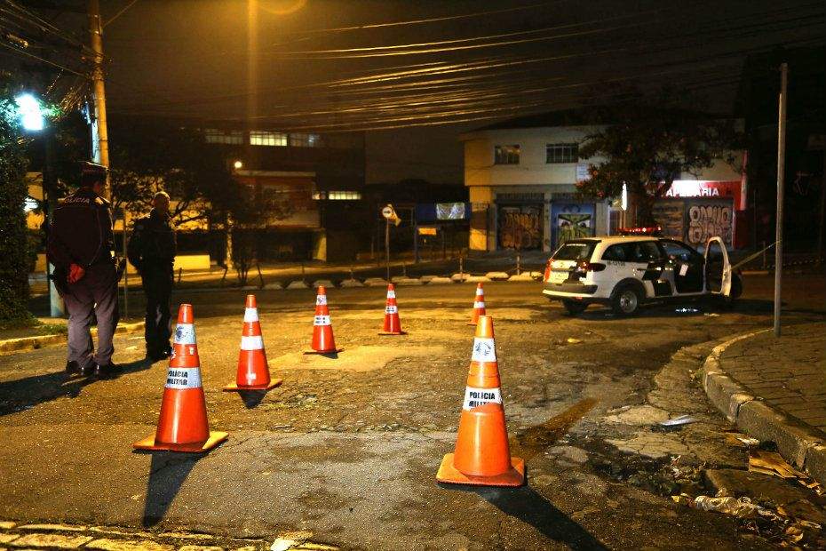 Homem foi morto e teve o carro levado / Edison Temoteo/Futura Press/Folhapress
