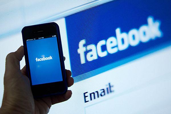 Usuários são frequentemente vítimas de captação fraudulenta de chaves de acesso / Karen Bleier / AFP