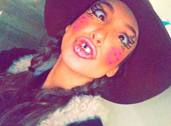 Claudia Leitte mostra maquiagem de caipira / Divulgação/Twitter