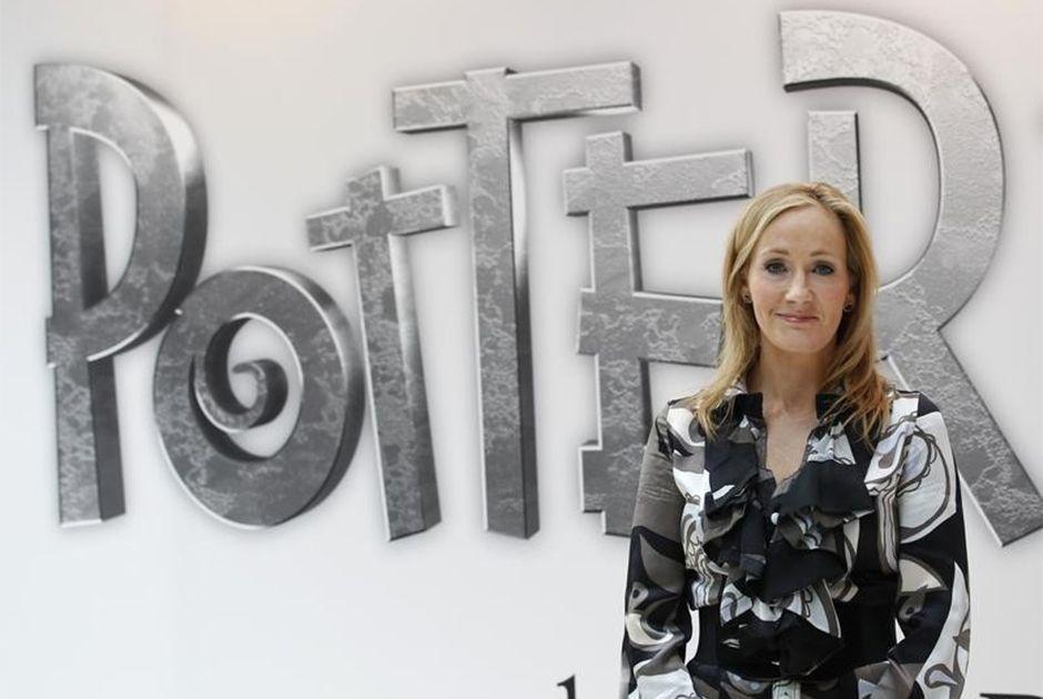 J.K. Rowling levará um novo Harry Potter ao teatro