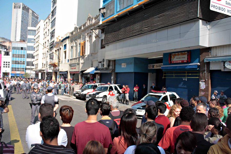 cad672e1002 Polícia apreende 10 mil relógios no centro de São Paulo - Notícias ...