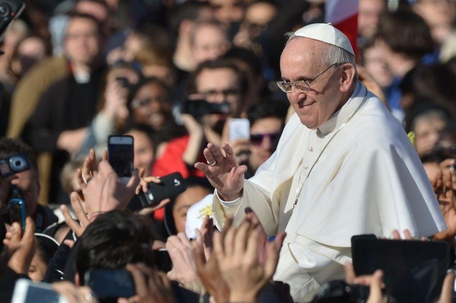Francisco é reconhecido pela simplicidade e proximidade com o povo