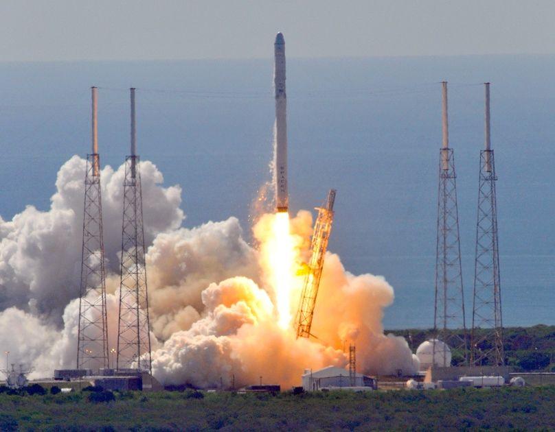 Foto mostra o foguete antes de explodir