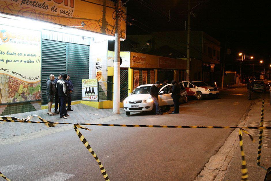 Criminosos fugiram e não levaram nada / Edison Temoteo/Futura Press/Folhapress