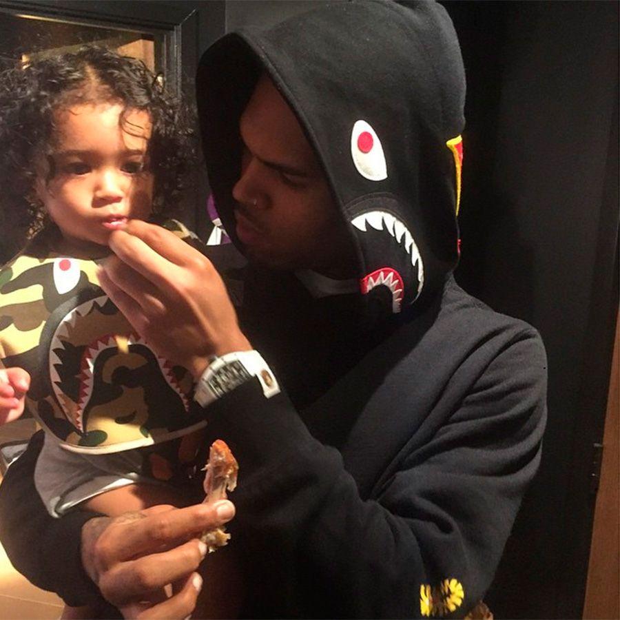 Chris Brown quer reconhecer sua paternidade oficialmente / Divulgação/Instagram