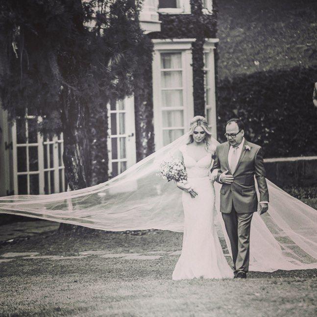 Louise DTuani e Edu Sterblitch festejam casamento