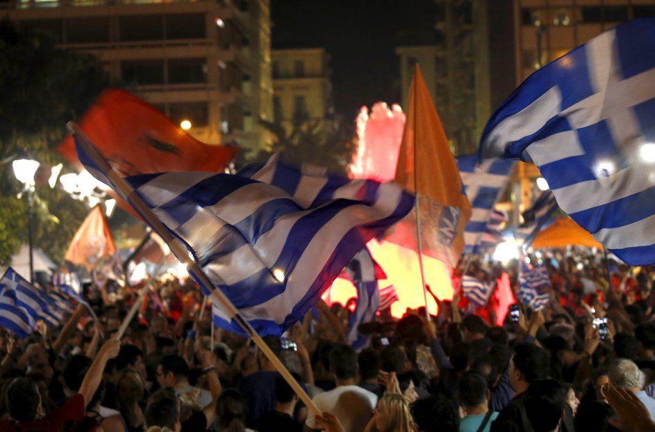 Gregos comemoram a vitória do
