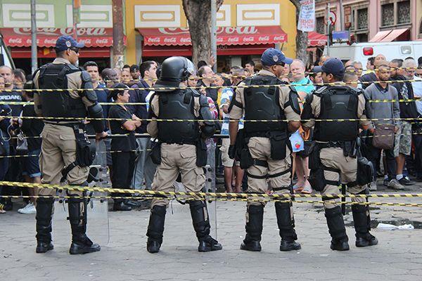 Assassinos de policiais agora terão punição que varia de 12 a 30 anos de cadeia / Jose Lucena / Futura Press / Folhapress