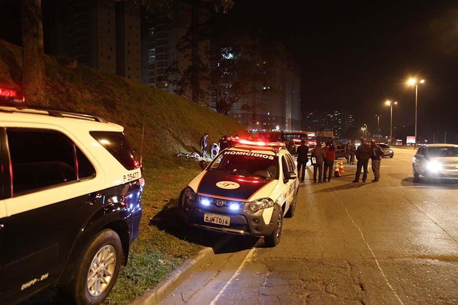 Tiroteio causou congestionamento na Raposo Tavares / Futura Press/Folhapress