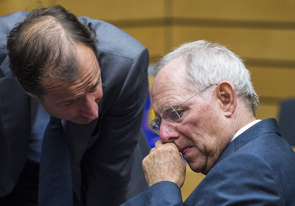 Wolfgang Schäuble (dir.): reformas são insuficientes / John McDougal