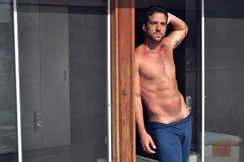 Carlos Bonow exibe excelente forma física / Divulgação/Sérgio Santoin/MF Models Assessoria