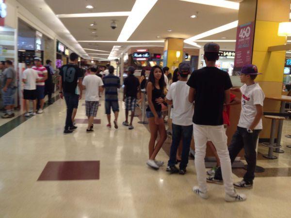 Rolezinhos, que antes aconteciam em shoppings, agora ocorrerm em praças públicas / Vinicius Pereira / Folhapress