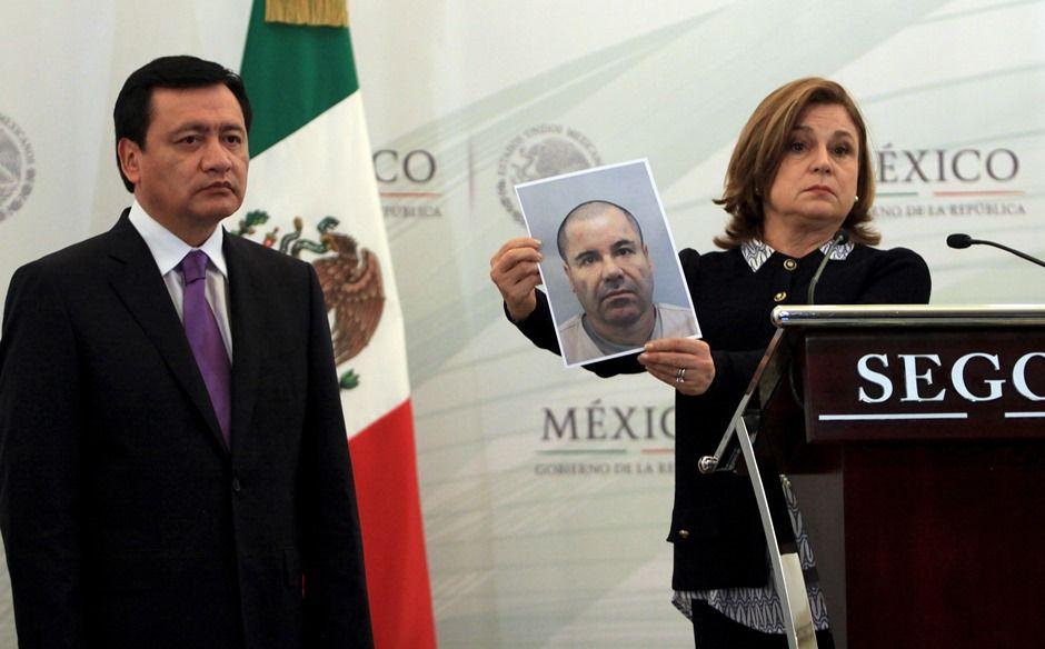Procuradora-geral do México mostra foto de El Chapo / REUTERS/Stringer