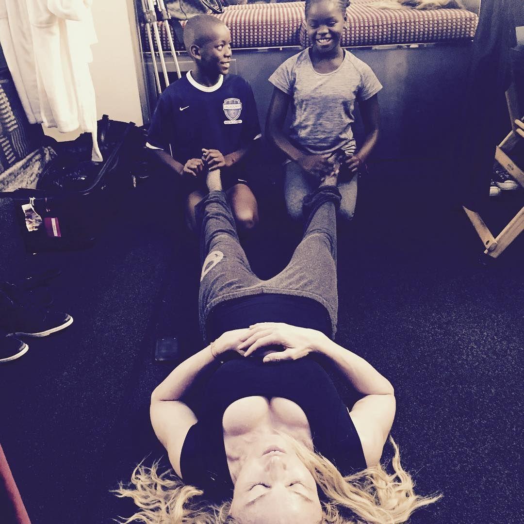 Madonna recebe carinho dos filhos e é criticada / Divulgação/Instagram