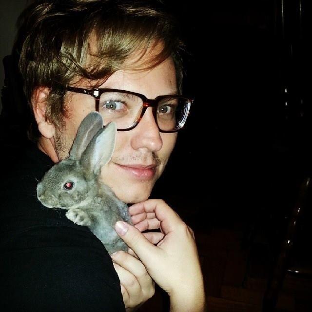 Morre Asda, a coelha de Murilo de Oliveira