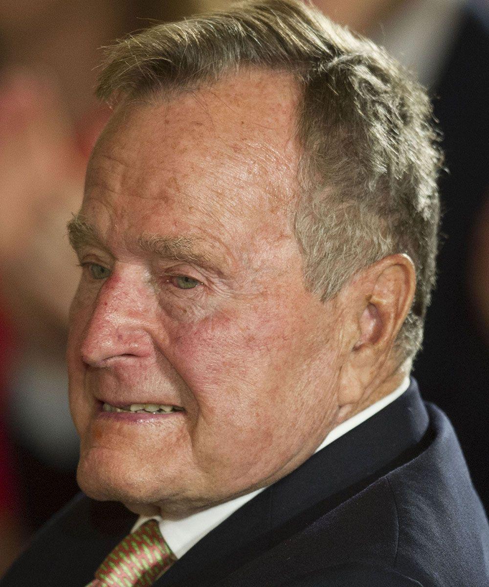 Ex-presidente de 91 anos caiu na manhã desta quarta-feira em sua casa em Kennebunkport / JIM WATSON / AFP