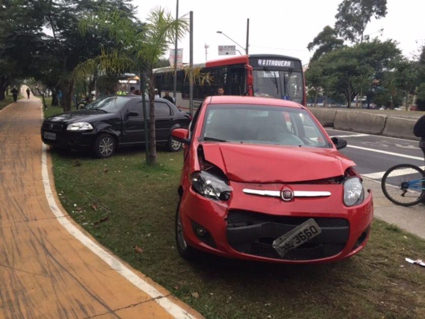 Motorista que causou as colisões tinha evidentes sinais de embriaguez, mas ainda não realizou o teste do bafômetro / Renata Carvalho/Rádio Bandeirantes