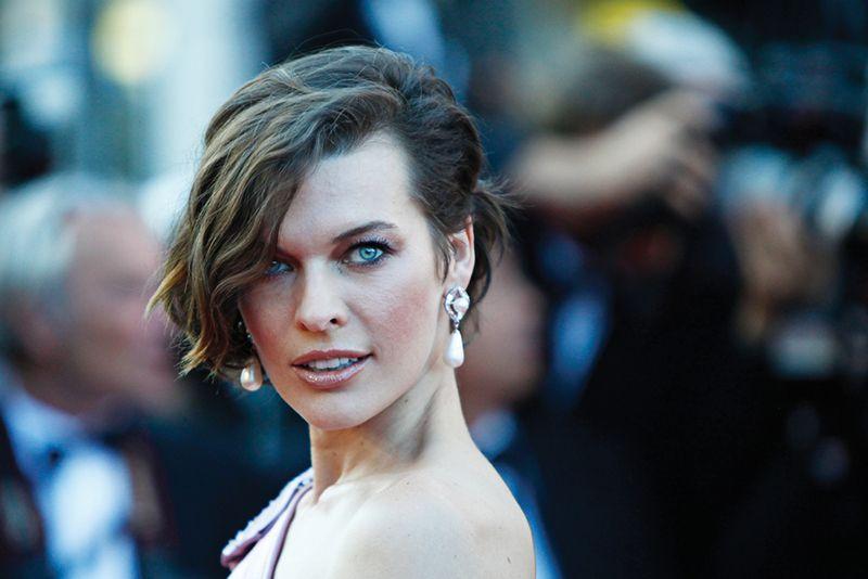 Milla Jovovich retoma as filmagens do filme / PAN Photo Agency/Shutterstock.com