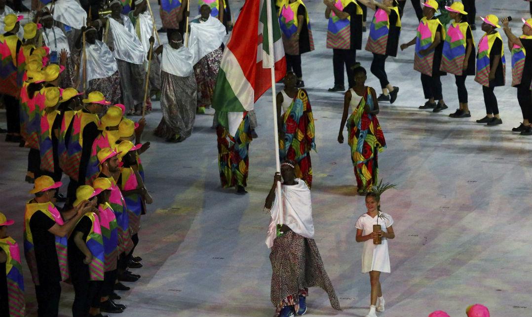 Burundi coloriu o Maracanã com seu uniforme