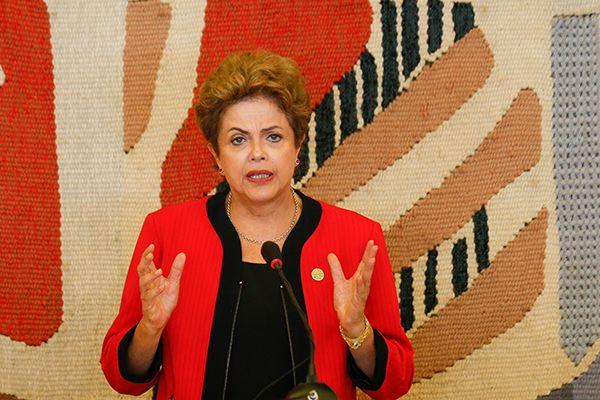 Presidente pede a seus seguidores para denunciarem casos de racismo / Pedro Ladeira / Folhapress