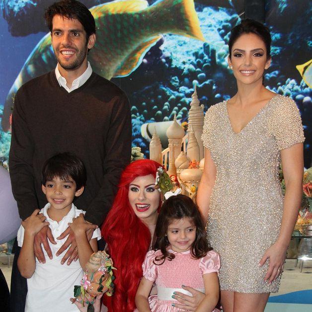 Carol Celico e Kaká anunciam fim do casamento de 10 anos