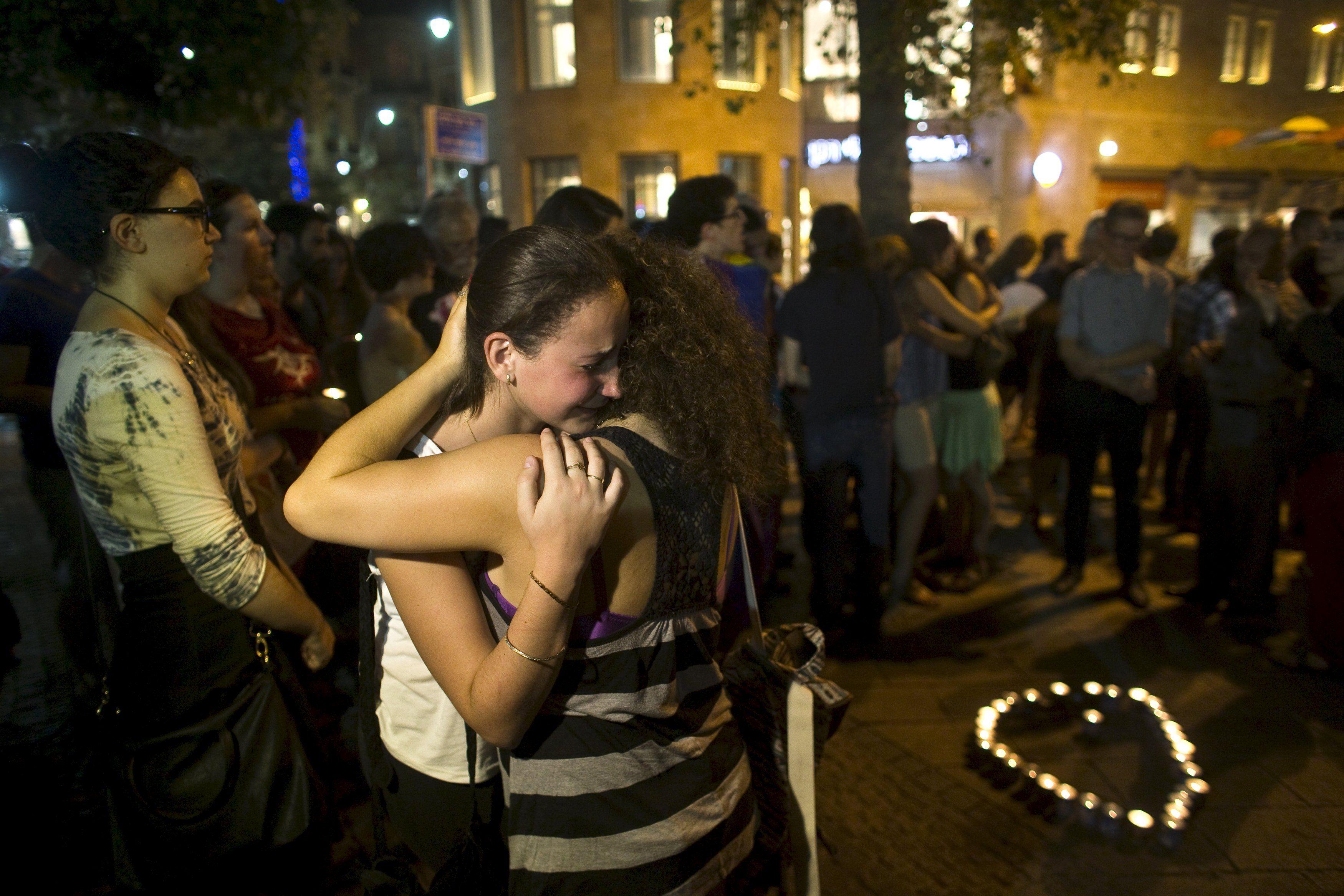 Morre adolescente esfaqueada na Parada Gay de Jerusalém