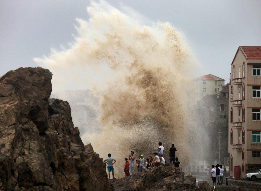 Todas as escolas suspenderam as aulas devido à passagem do tufão