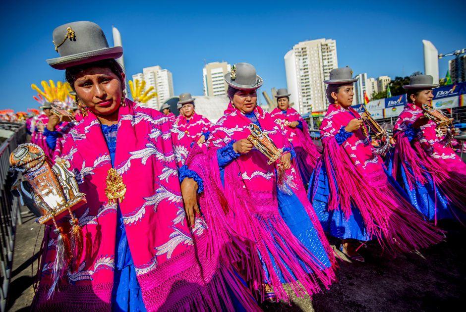 Imigrantes bolivianos celebram os 190 anos de independência de seu país / Cris Faga/Fox Press Photo/Folhapress