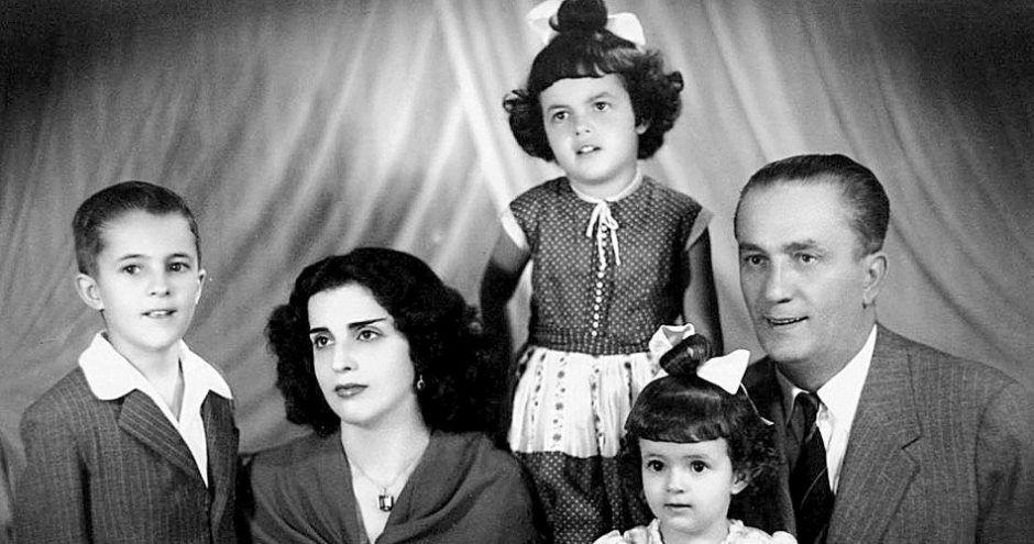 Dilma publicou foto com a família / Reprodução/Facebook